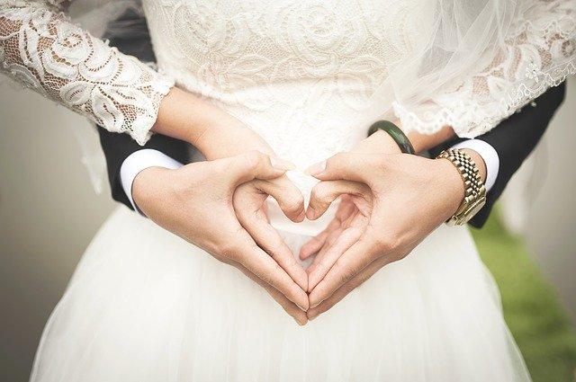 Buscar personas casadas por RUT